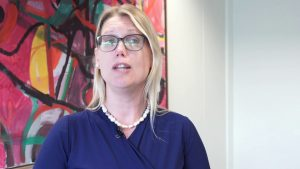 Dyrektor naczelna holenderskiego banku centralnego, Petra Hielkema udzieliła wywiadu w tym temacie holenderskiemu Newsowi. zmienność kryptowalut