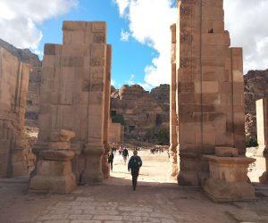 Petra, jednego z cudów świata, Kontynuując eksplorację Jordanii