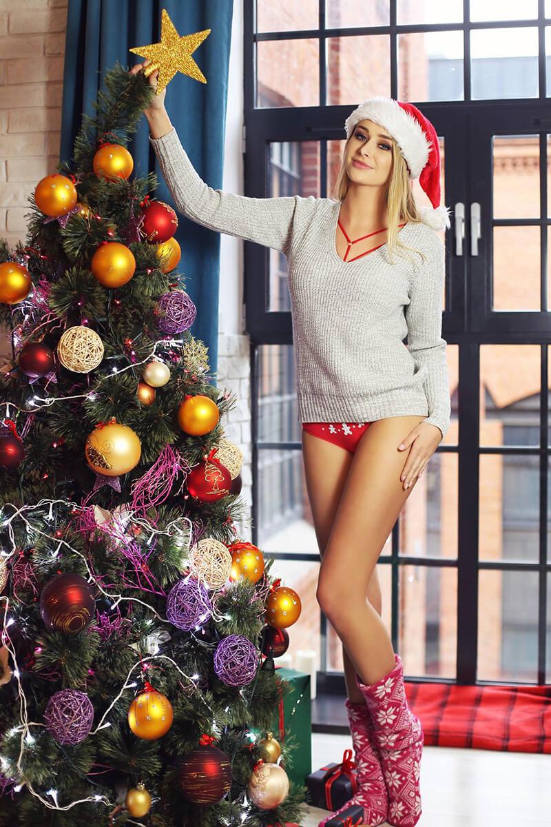 Zestaw tej bielizny to prezent idealny pod choinkę. Ekskluzywne pakiety w świetnej cenie od Promees to idealne prezenty dla ukochanej na najbliższe Święta.