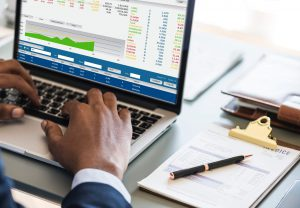 Biuro rachunkowe, czyli renomowane biuro księgowe i kadrowe musi mieć nieposzlakowaną opinię w zakresie obsługi ksiąg rachunkowych oraz kadr i płac.