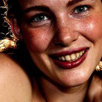 Izabella Znikoma avatar