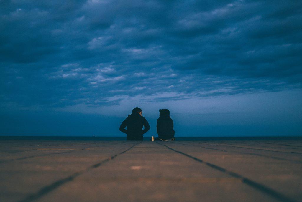 rozmowa, jak rozmawiać z partnerem, pogawędka, talk, szczerość, ludzie, para, miłość, kryzys, w związku