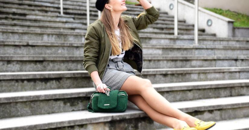 zdjęcie wpisu Dziewczyna z zieloną torebką
