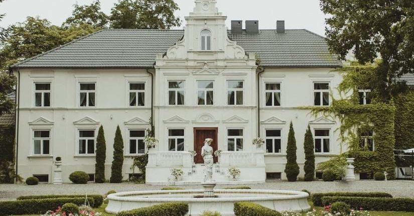 zdjęcie wpisu Pałac w Pstrokoniach – miejsce, w którym usłyszysz ciszę.