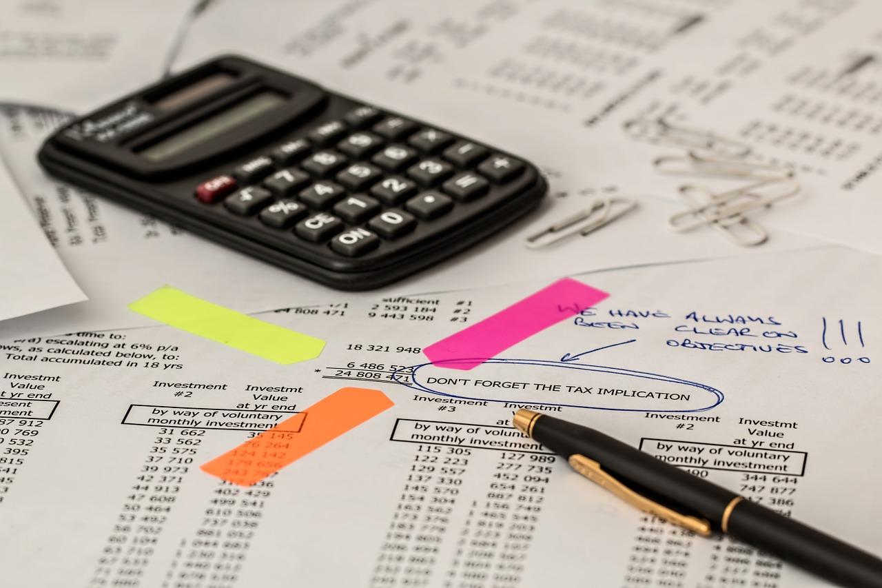 kalkulator, finanse, przedsiebiorczosc, szkola, matematyka, problemy finansowe, uczyć w szkole